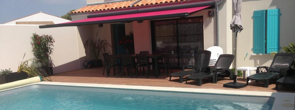 La maison de vesta 8 pers arces conciergerie c te for Ambiance piscine